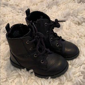 Gap toddler girl size 7 black boots